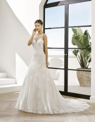 Vestido de novia Petalode la marca Adriana Alier