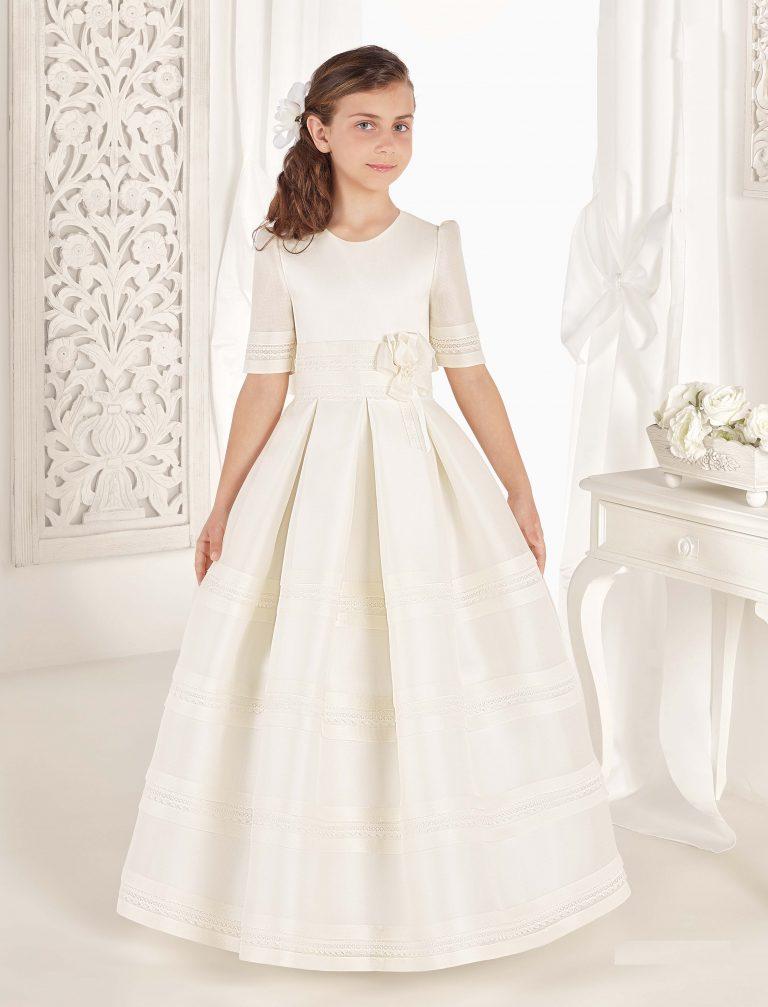 Vestido clásico tableado modelo Tamara de la colección Carmy Deluxe - Lilian Segre Telf.: 865604432 - Plaza Jaume I, 1, Dénia (Alicante)