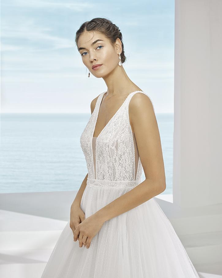 Vestido de novia Pinkde la marca Adriana Alier